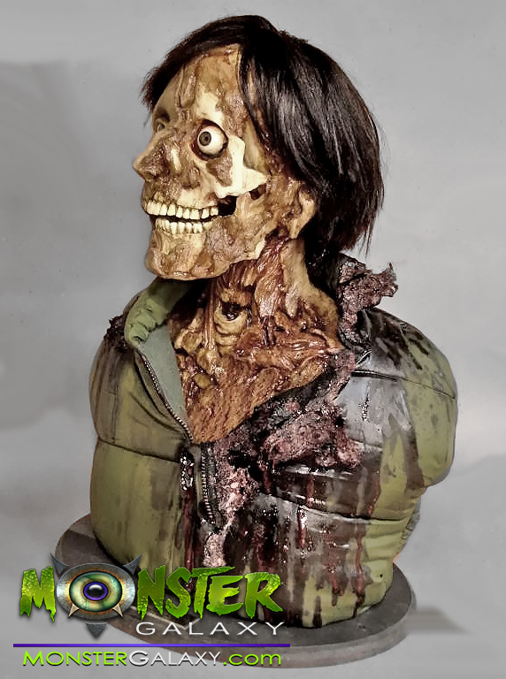 An American Werewolf in London Bust 1:1 scale Movie Prop and Movie Replicas An American Werewolf in London collectibles